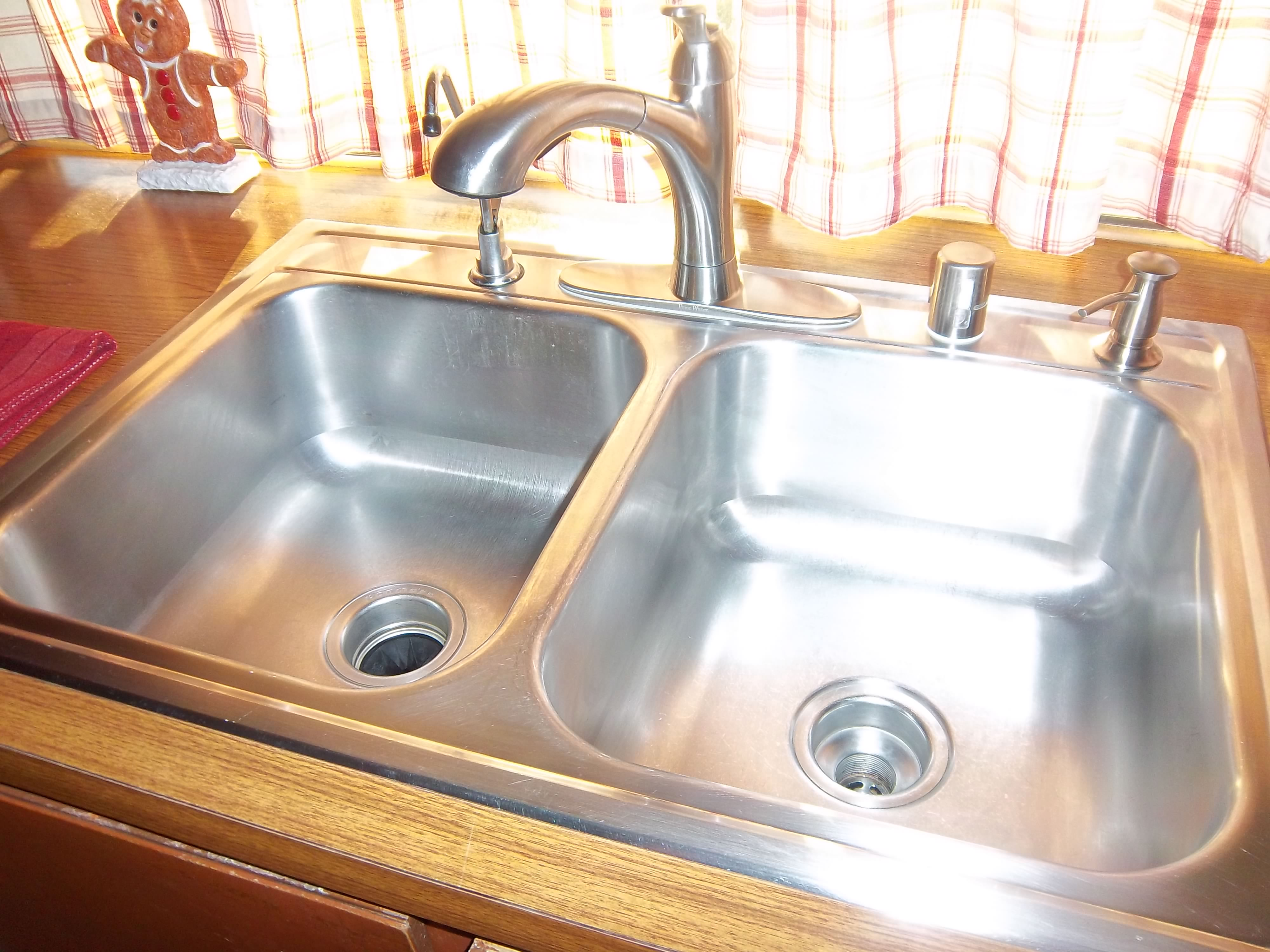 how to make kitchen sink shine flying basics day 1 shine your sink happyhomehabits 8749